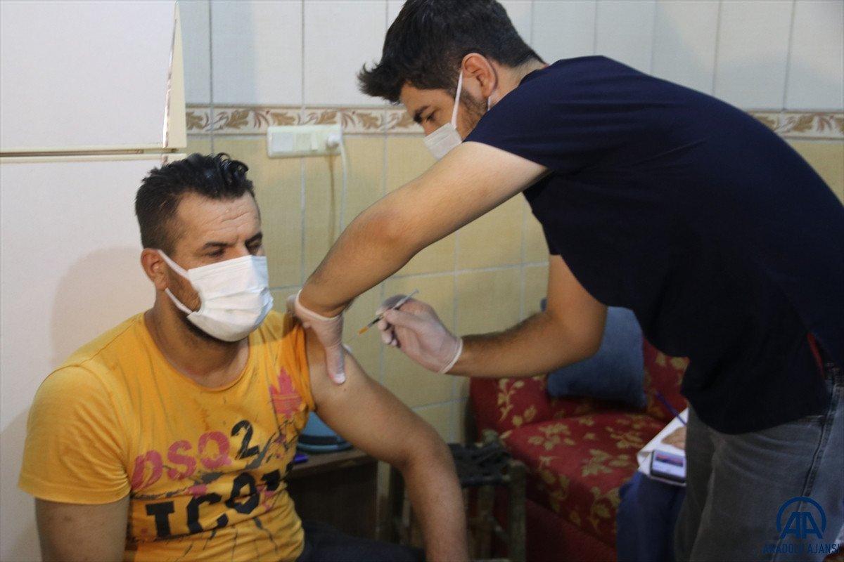 Diyarbakır da sağlık çalışanları site site dolaşarak apartman sakinlerini aşılıyor #6