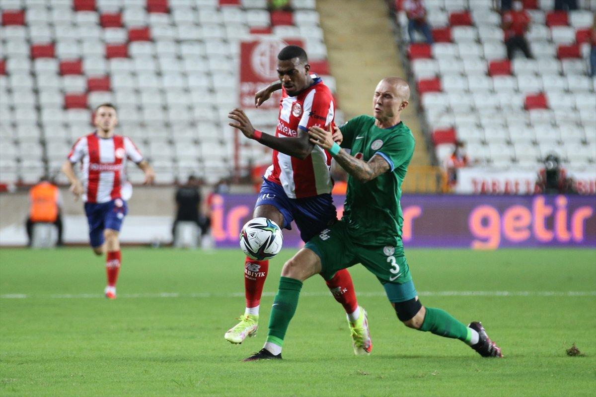 Antalyaspor, Çaykur Rizespor u 3-2 mağlup etti #1