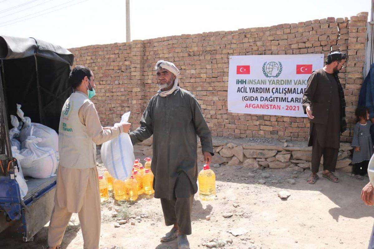 İHH, Afganistan ın başkenti Kabil de 50 aileye kumanya dağıttı #3