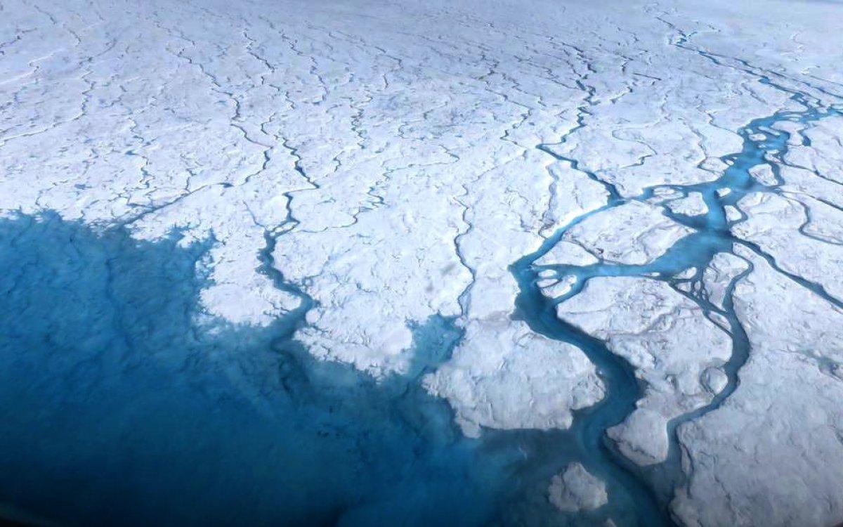 Grönland'daki buz tabakası, sanılandan daha hızlı eriyor #1
