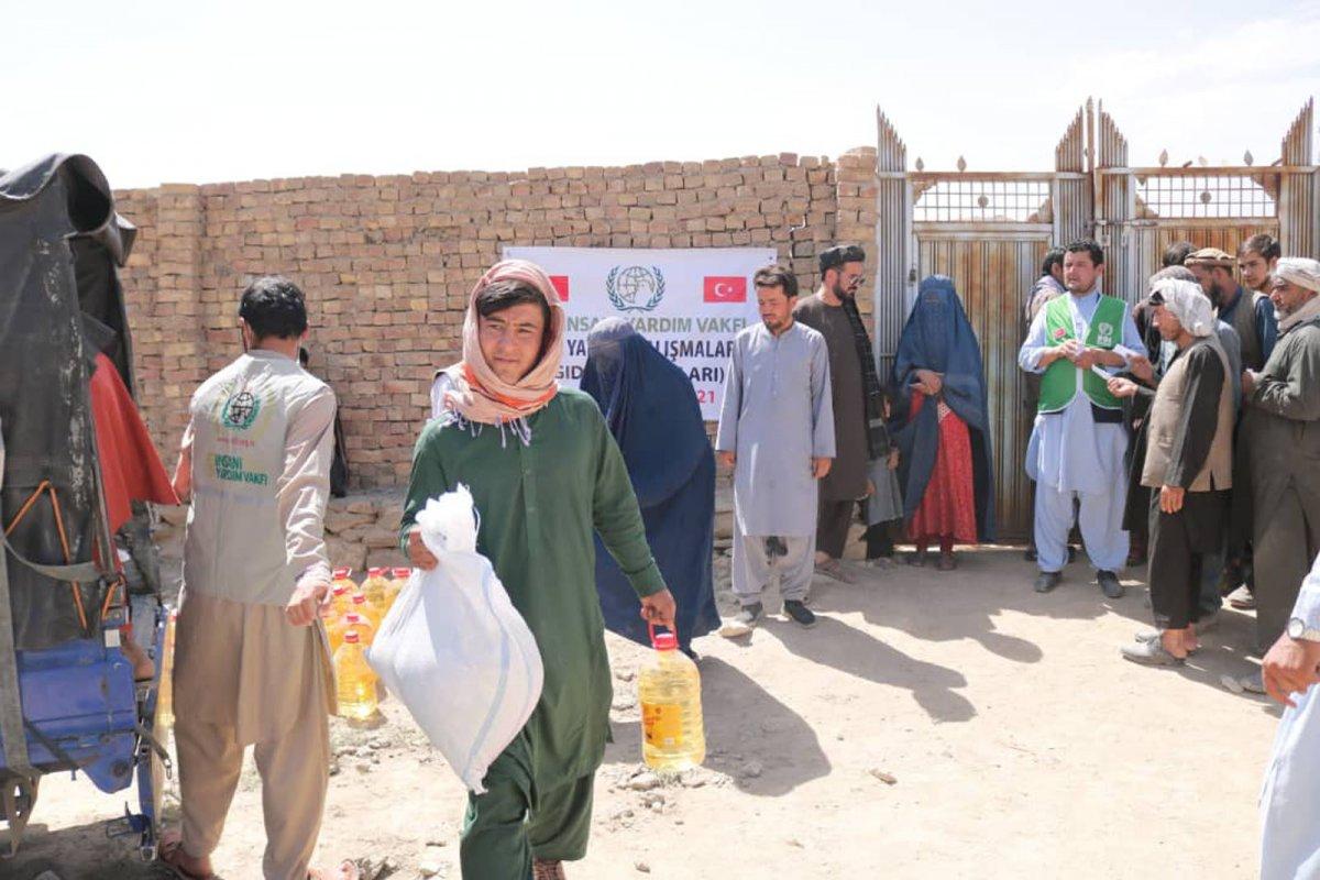İHH, Afganistan ın başkenti Kabil de 50 aileye kumanya dağıttı #4