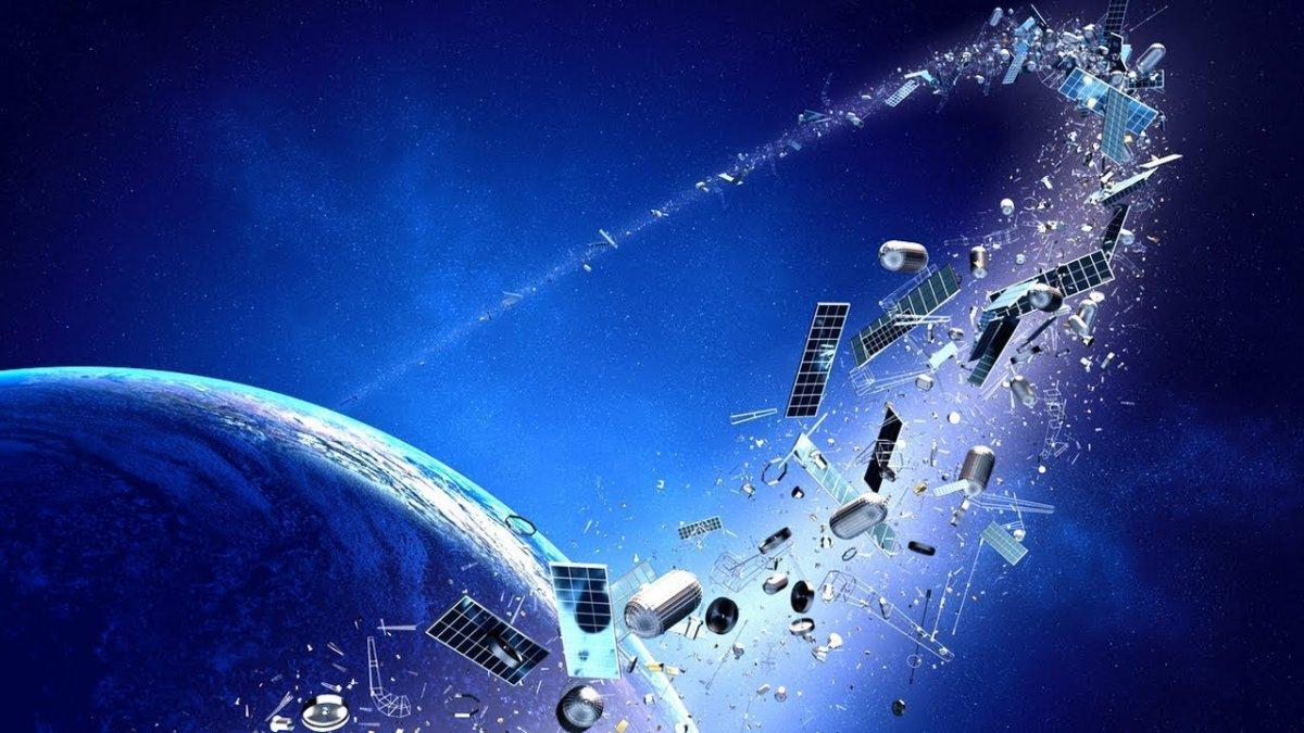 Dünyanın ilk temizlik uydusu, ilk testleri başarıyla tamamladı #2