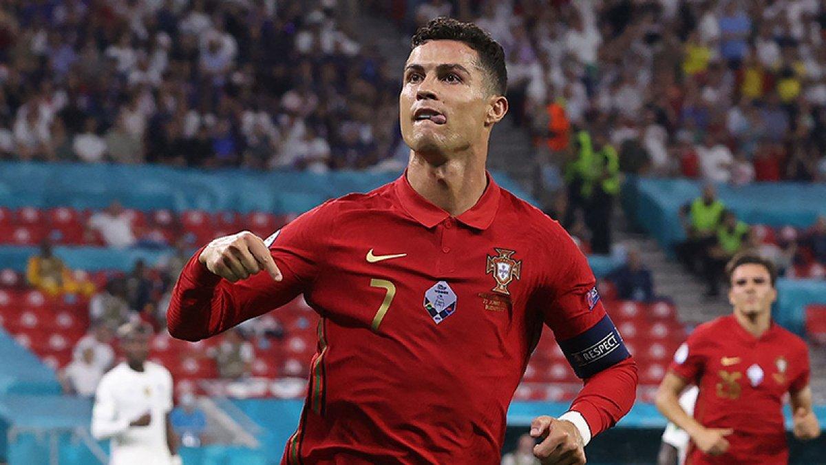 Cristiano Ronaldo resmen Manchester United da #1
