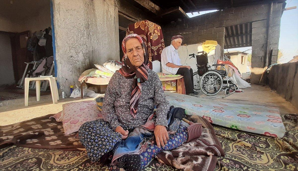 Antalya daki yangından sonra yaşlı çift yeni evlerine kavuştu #5