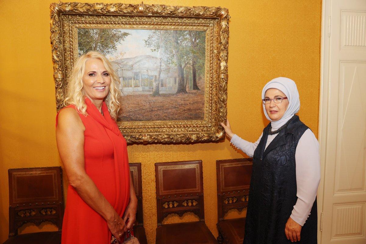 Emine Erdoğan, Kral Nikola Müzesi ni ziyaret etti #3