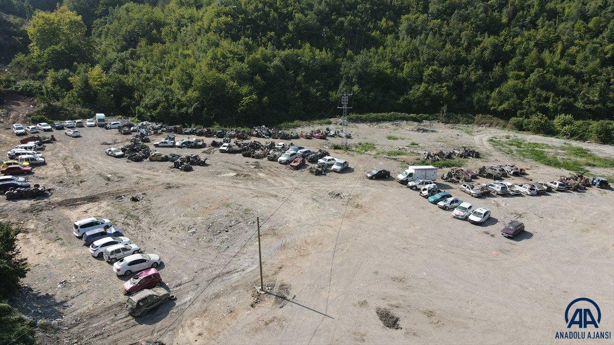 Kastamonu da sel suları yüzlerce aracı hurda yığınına çevirdi #4