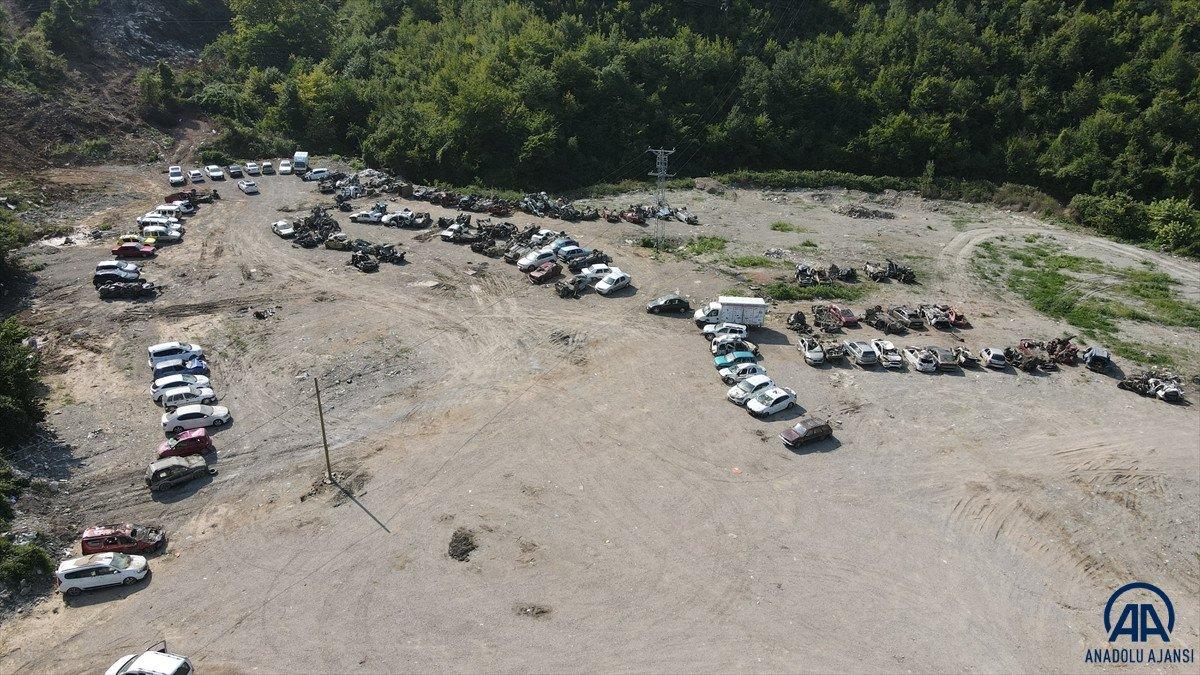 Kastamonu da sel suları yüzlerce aracı hurda yığınına çevirdi #5