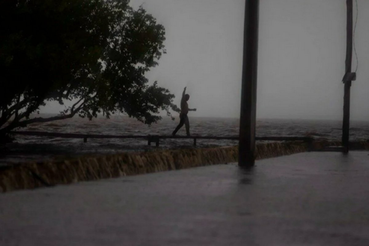 Küba da etkili olan Ida Kasırgası, ABD nin kıyılarına yaklaşıyor #4