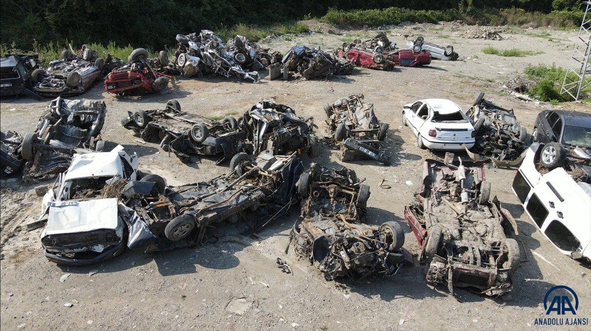 Kastamonu da sel suları yüzlerce aracı hurda yığınına çevirdi #2