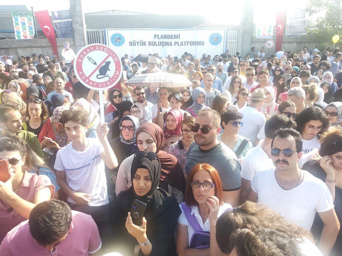 Sancaktepe de aşı karşıtlarından PCR testi zorunluluğuna protesto  #1