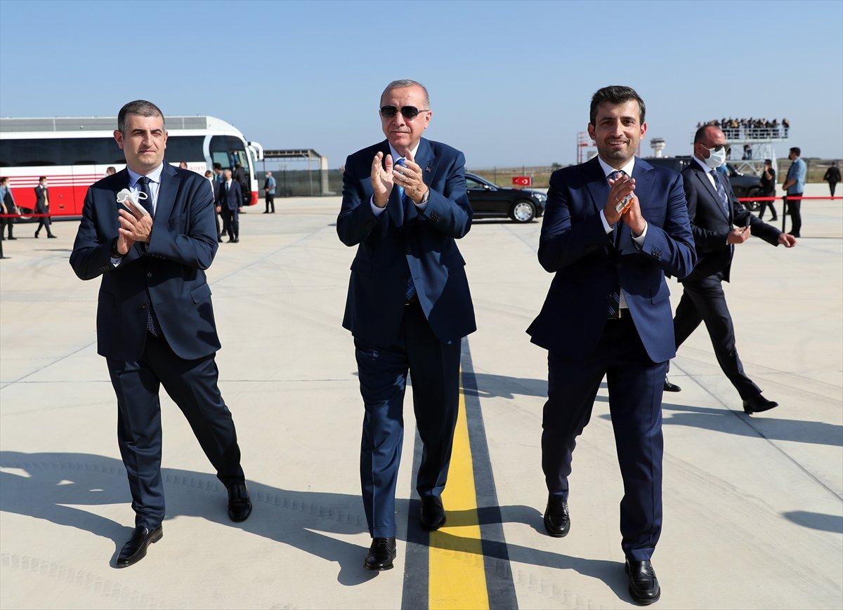 Cumhurbaşkanı Erdoğan, Bayraktar Akıncı TİHA'yı imzaladı #1