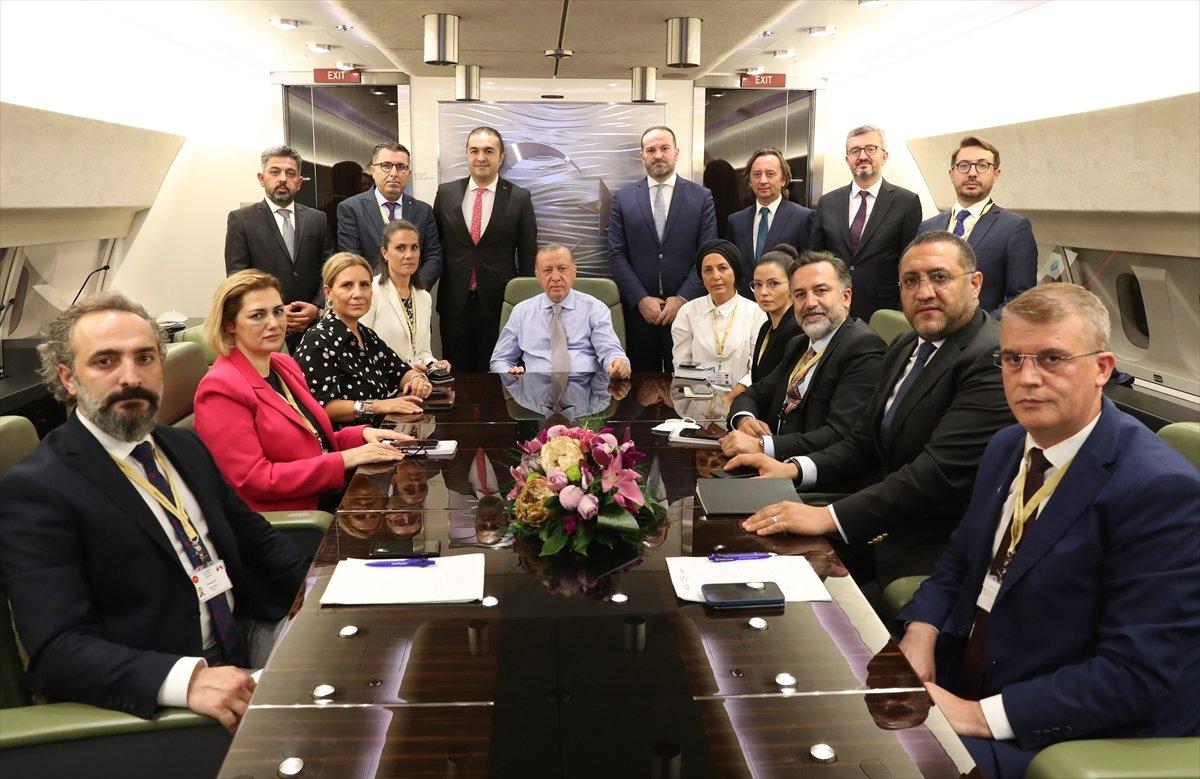 Cumhurbaşkanı Erdoğan, Balkanlar dönüşü özel açıklamalar yaptı #1