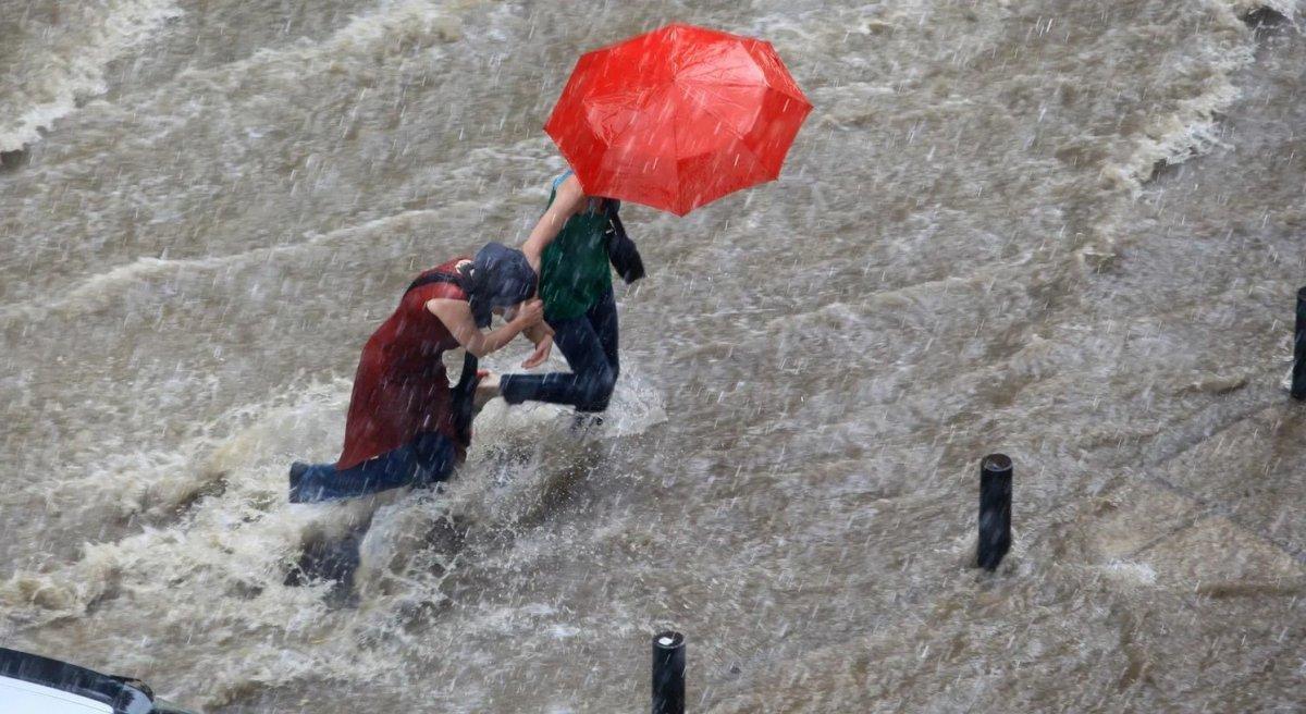 Marmara ve Karadeniz için kuvvetli yağış uyarısı #1