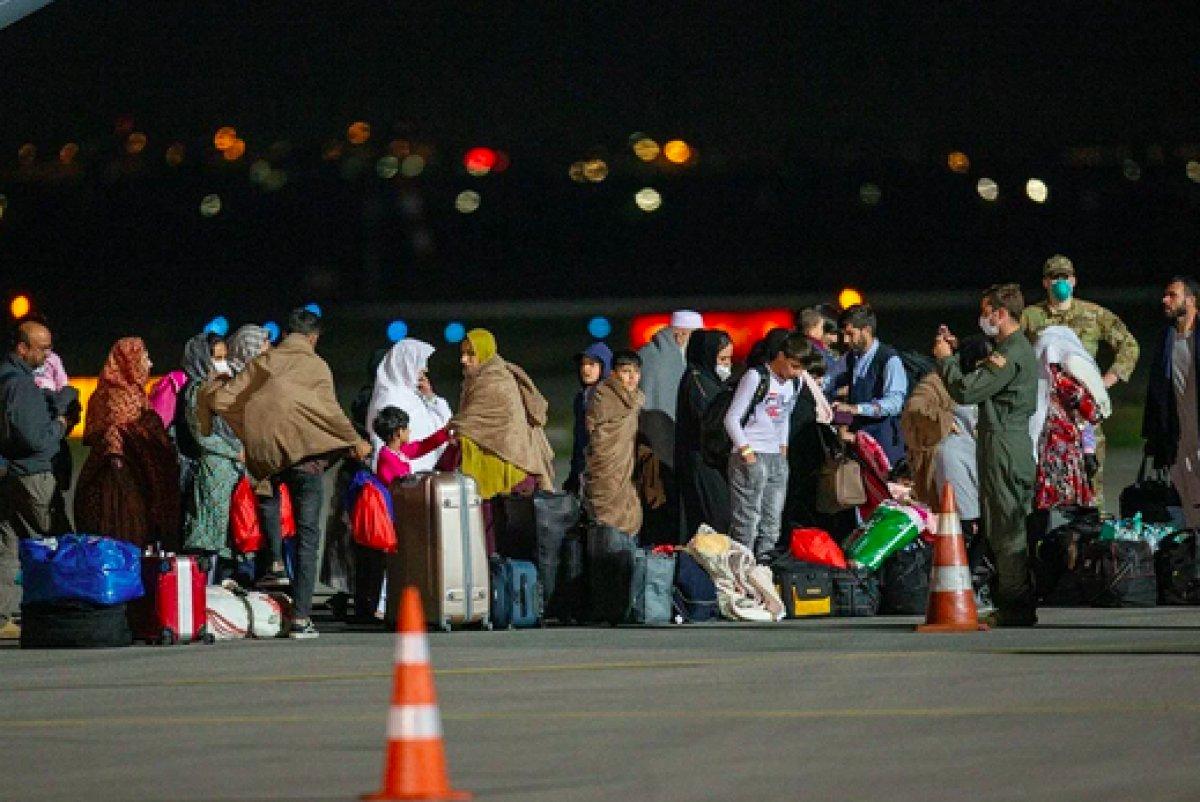 Taliban, Afganların ülke dışına seyahat etmelerine müsaade edecek #2