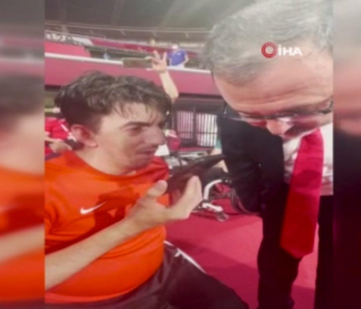 Cumhurbaşkanı Erdoğan dan milli sporcu Abdullah Öztürk e tebrik telefonu #1