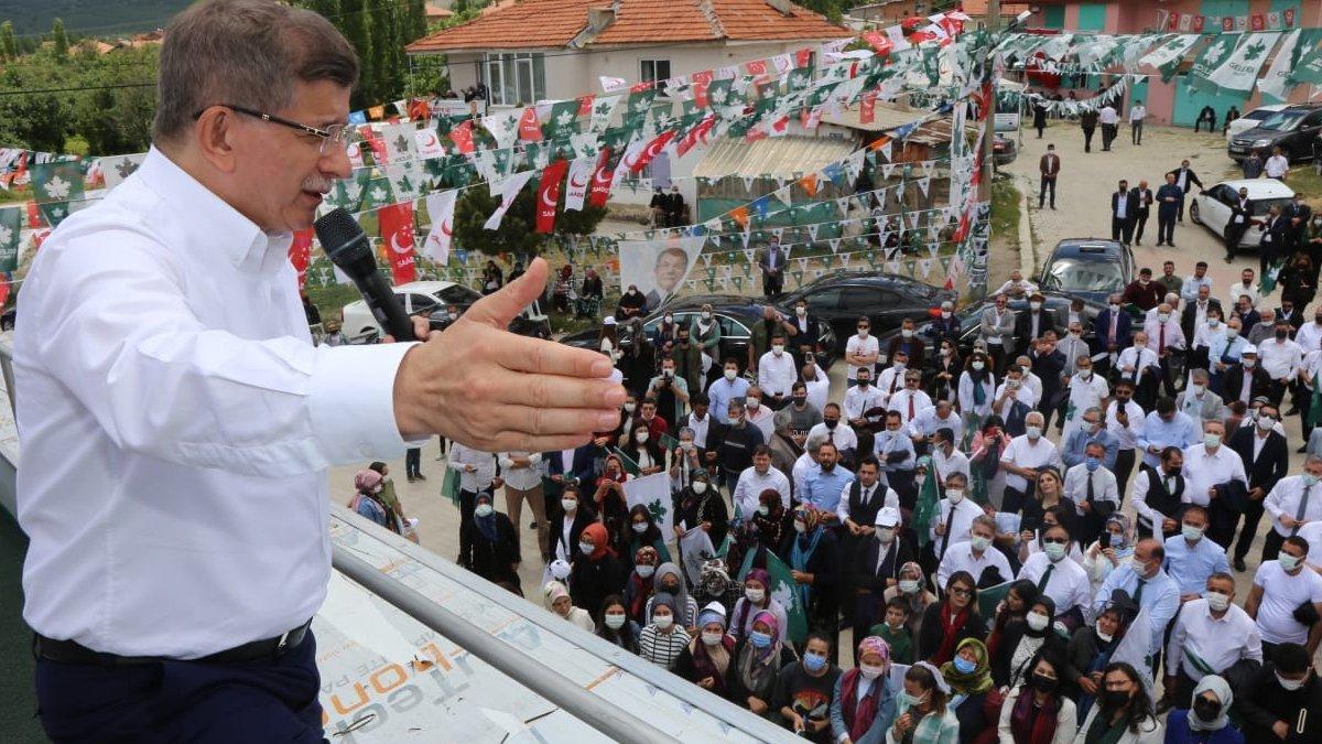 Ahmet Davutoğlu, anketlere inanmadığını söyledi #1