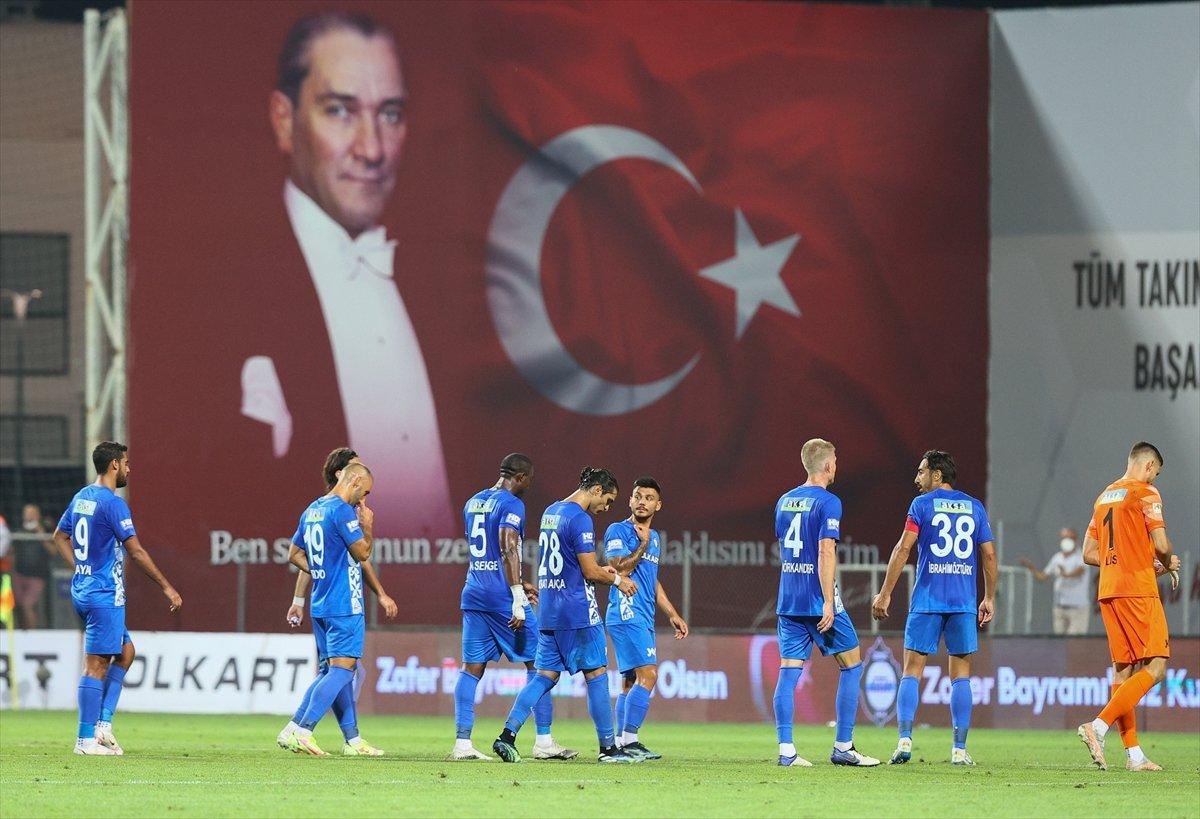 Mustafa Denizli: Her şeye rağmen mücadelemiz tatmin ediciydi #4
