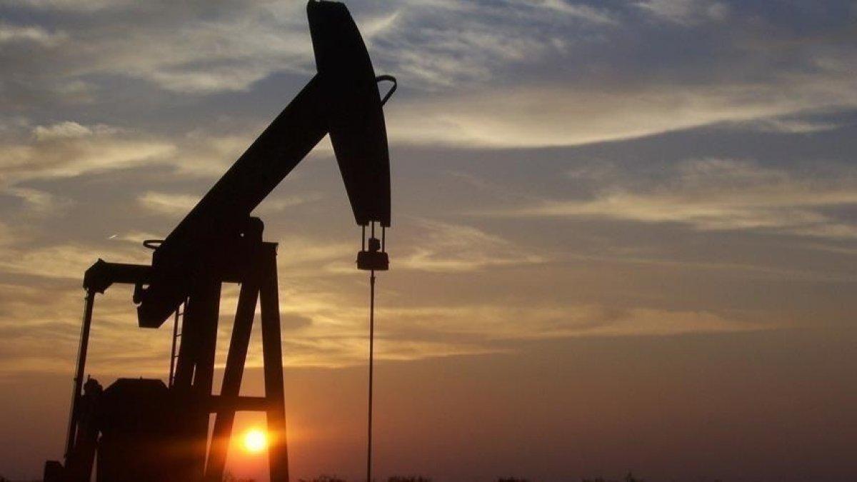 Brent petrolün varili, uluslararası piyasalarda 71,68 dolardan işlem görüyor #1