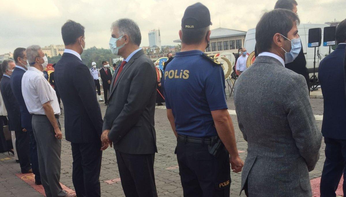 Cumhurbaşkanı Erdoğan ın mesajı okunurken CHP li başkan sırtını döndü #1