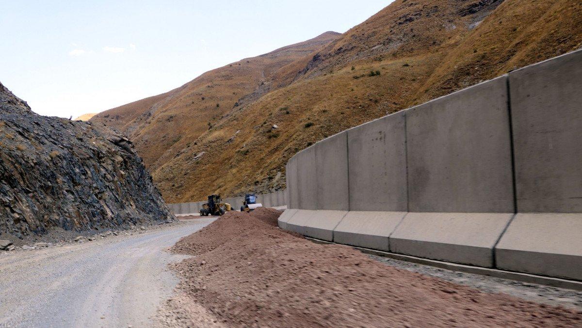 Van sınırında, 43 kilometrelik duvar inşa edildi #1