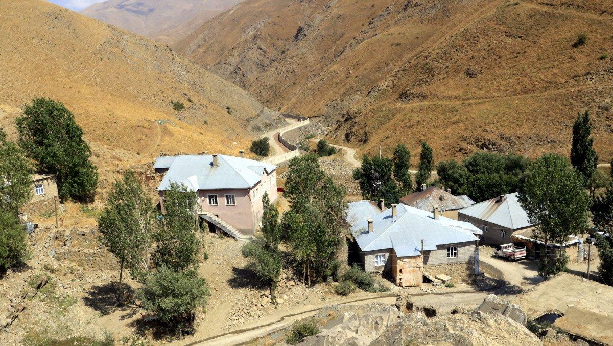 Van sınırında, 43 kilometrelik duvar inşa edildi #4