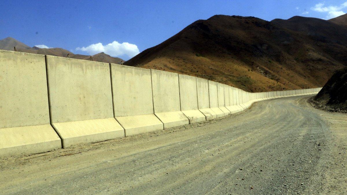 Van sınırında, 43 kilometrelik duvar inşa edildi #2