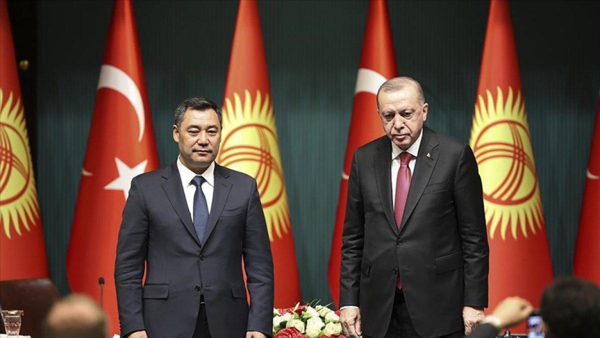 Cumhurbaşkanı Erdoğan, Kırgızistan Cumhurbaşkanı ile görüştü #1
