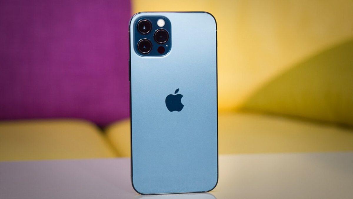iPhone 13, şebeke çekmese bile arama yapıp internete girebilecek