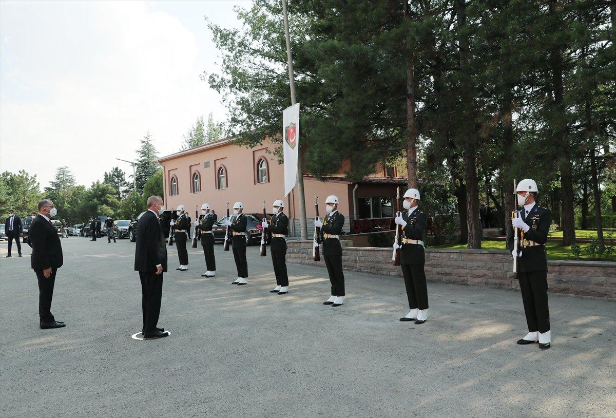 Cumhurbaşkanı Erdoğan ın Kara Harp Okulu Diploma Töreni konuşması #1