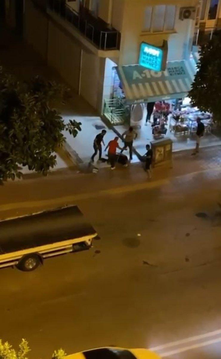 Antalya'da taciz şüphelisine dayak  #8
