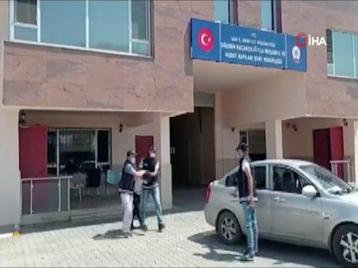 Van'da 24 düzensiz göçmen yakalandı #1