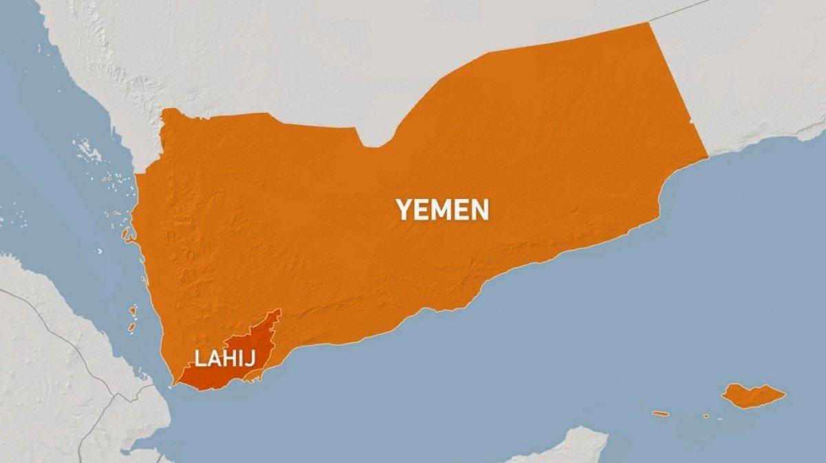 Yemen de Husiler askeri üsse saldırdı: 30 ölü 106 yaralı #2