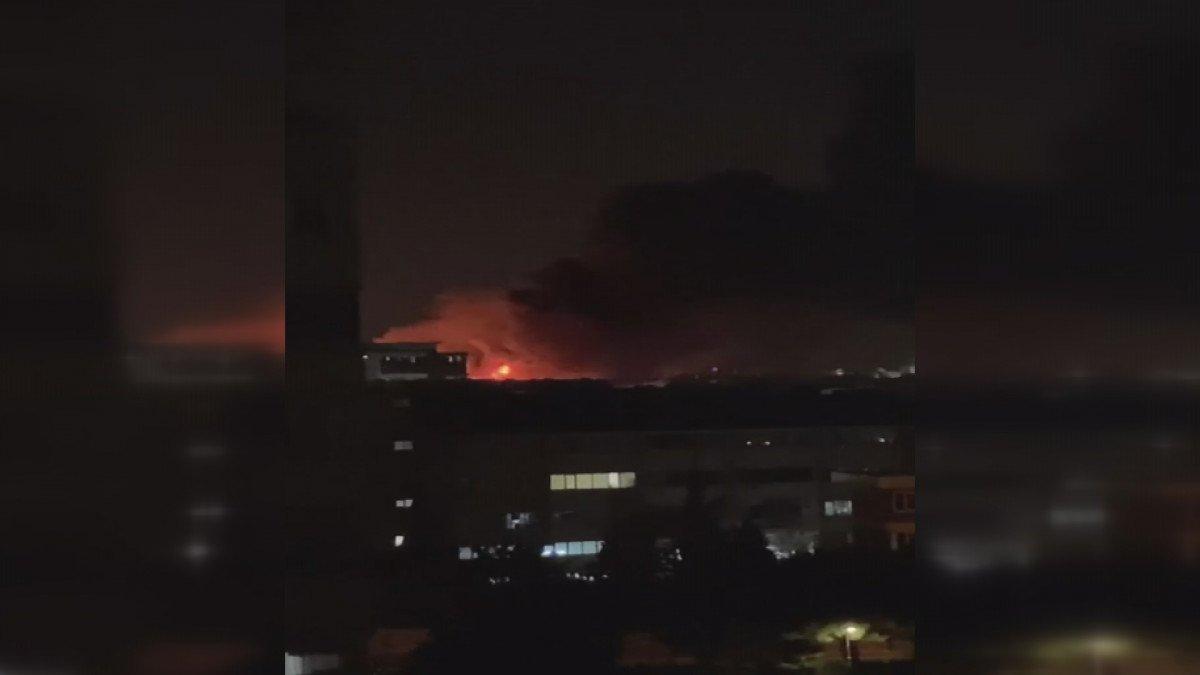 İstanbul, İkitelli Çevre Sanayi Sitesi nde yangın çıktı #1