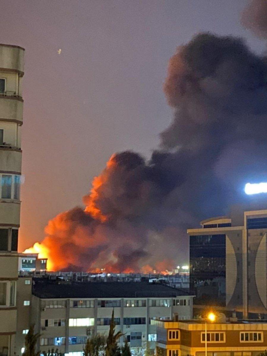 İstanbul, İkitelli Çevre Sanayi Sitesi nde yangın çıktı #3