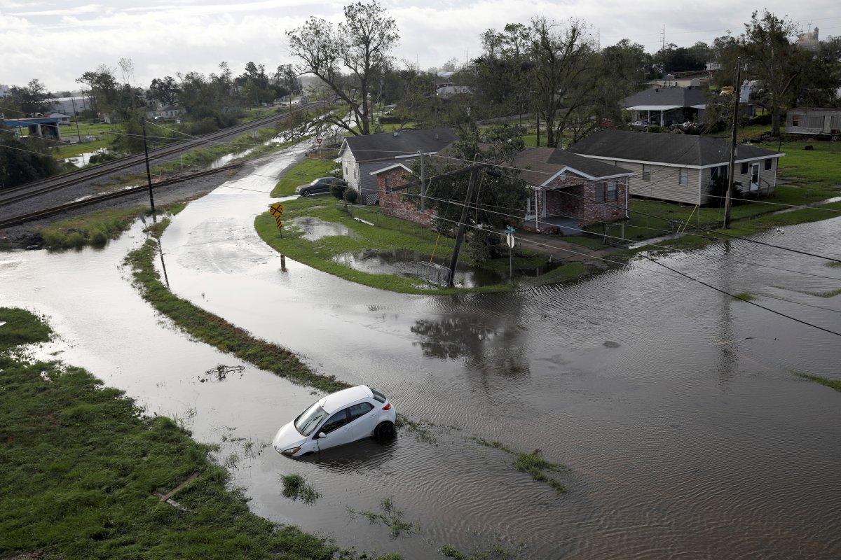 ABD de Ida Kasırgası sırasında Mississippi Nehri tersine aktı #4