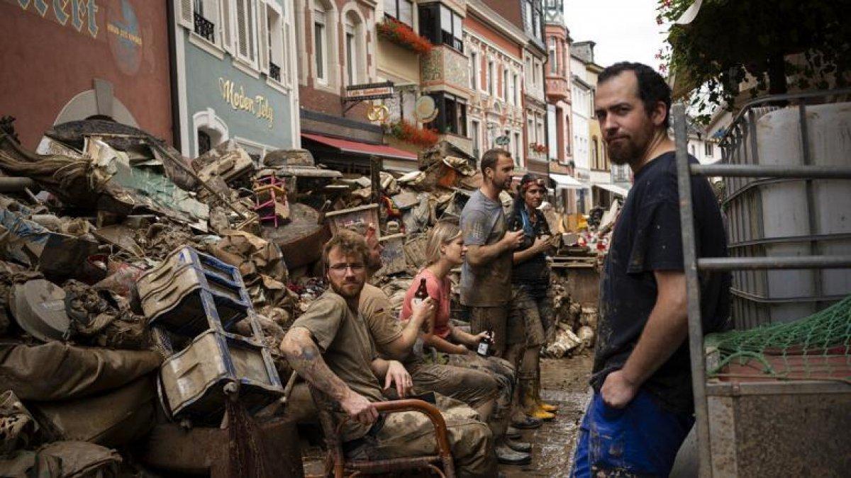 TOKİ, selde yıkılan 16 iş yerinin temelini attı #4
