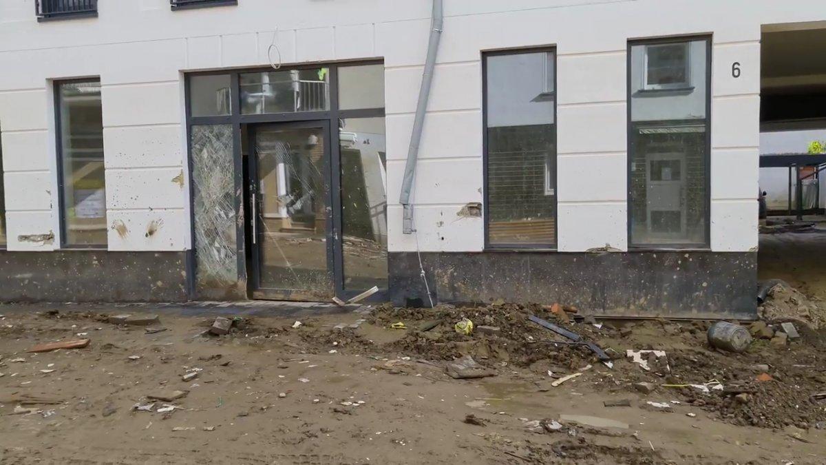 TOKİ, selde yıkılan 16 iş yerinin temelini attı #6