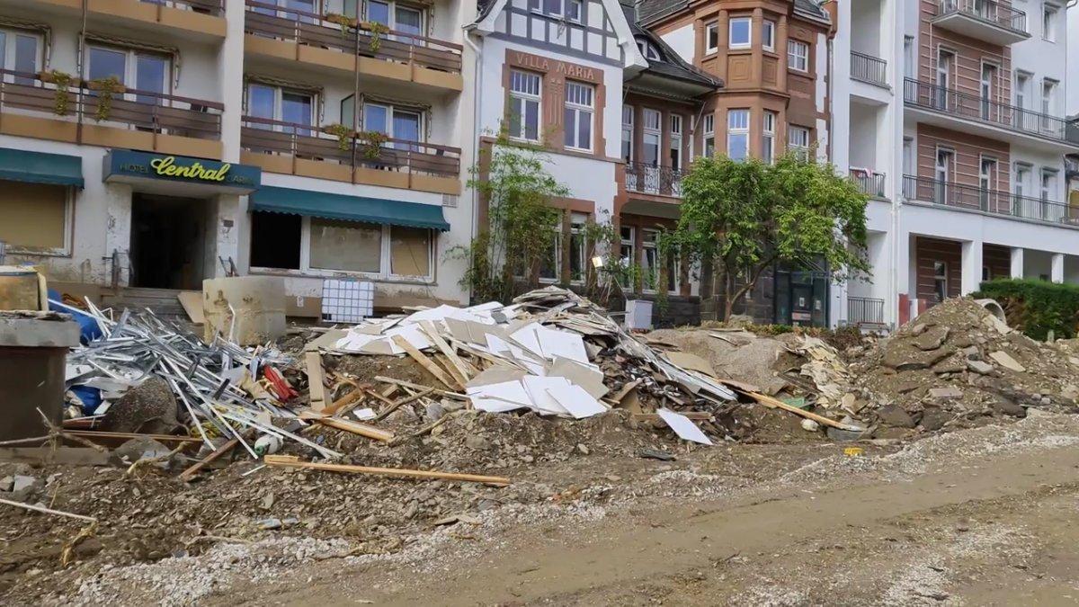 TOKİ, selde yıkılan 16 iş yerinin temelini attı #10