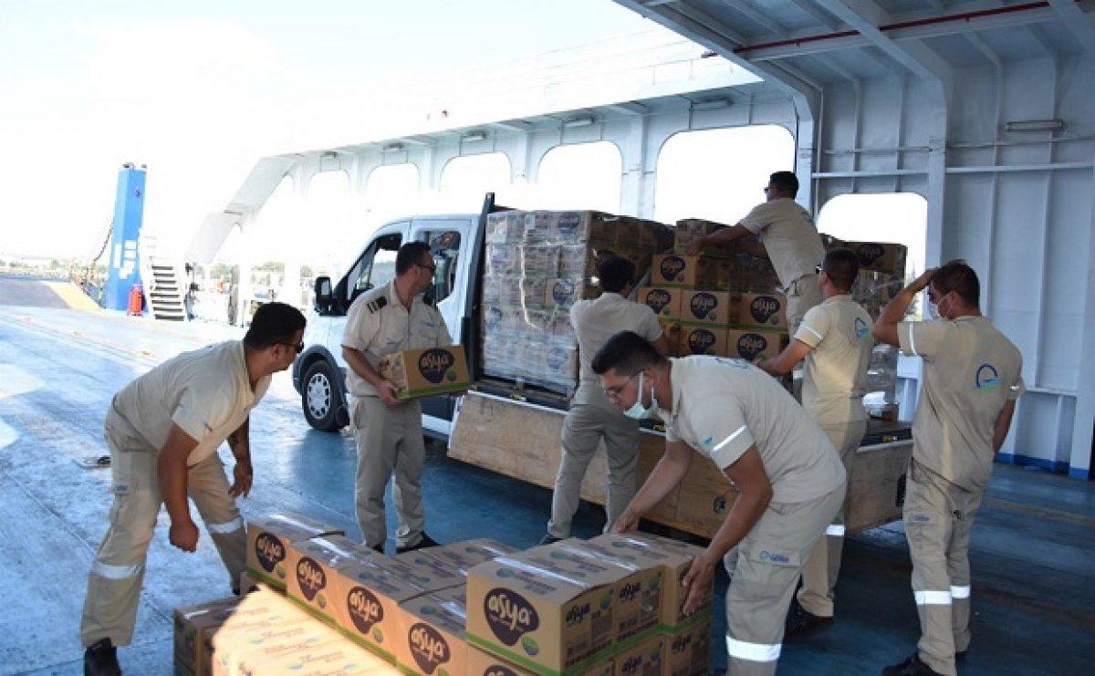 Sinop taki sel mağdurlarını tahliye eden gemi personeli: Gururluyuz #1