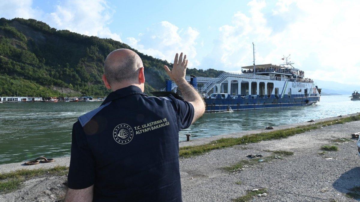 Sinop taki sel mağdurlarını tahliye eden gemi personeli: Gururluyuz #4