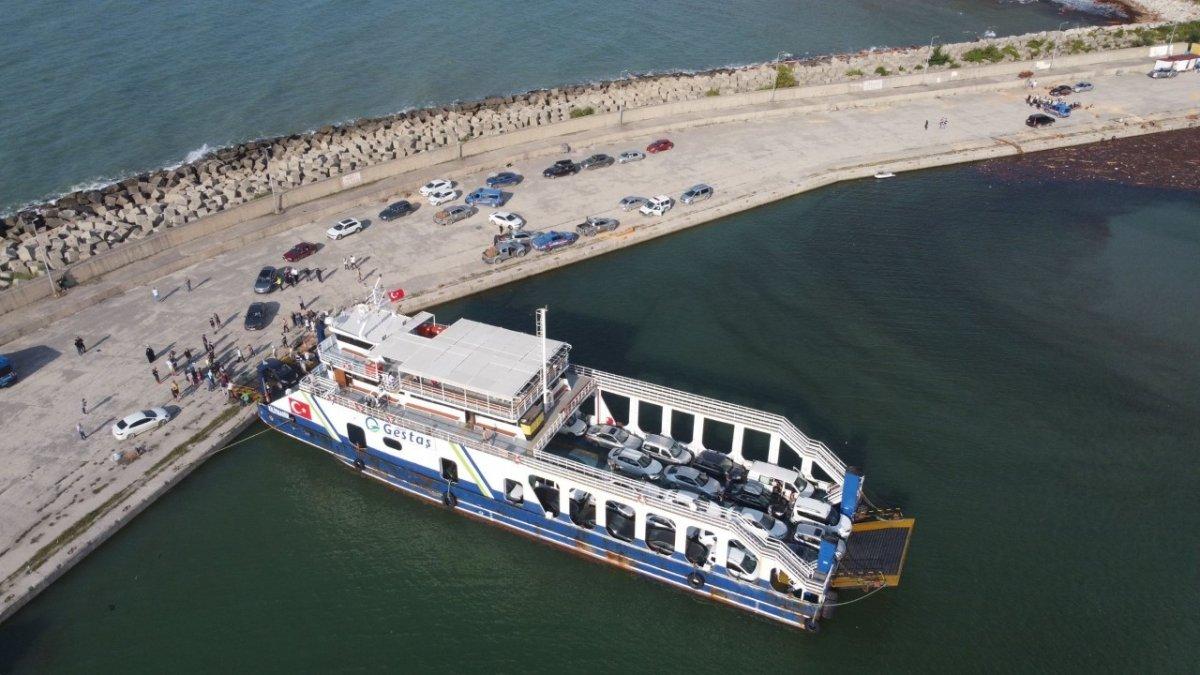 Sinop taki sel mağdurlarını tahliye eden gemi personeli: Gururluyuz #3