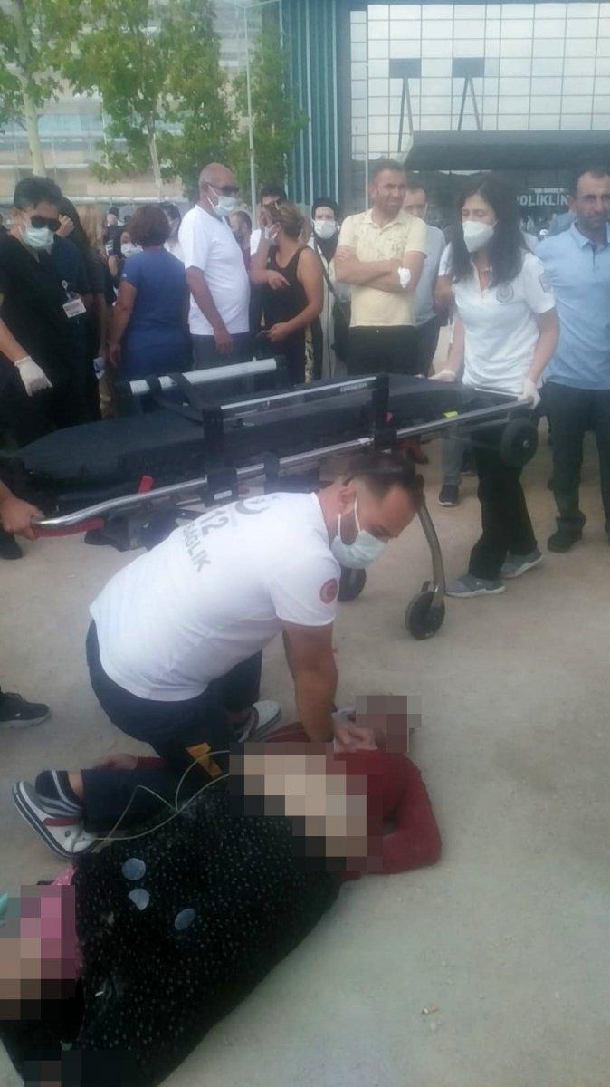 Bursa'da, hastane bahçesinde kalp krizi geçiren kadın öldü  #3