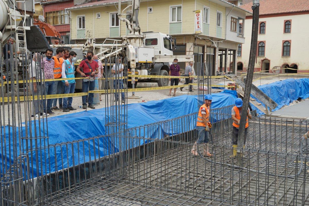 TOKİ, selde yıkılan 16 iş yerinin temelini attı #3