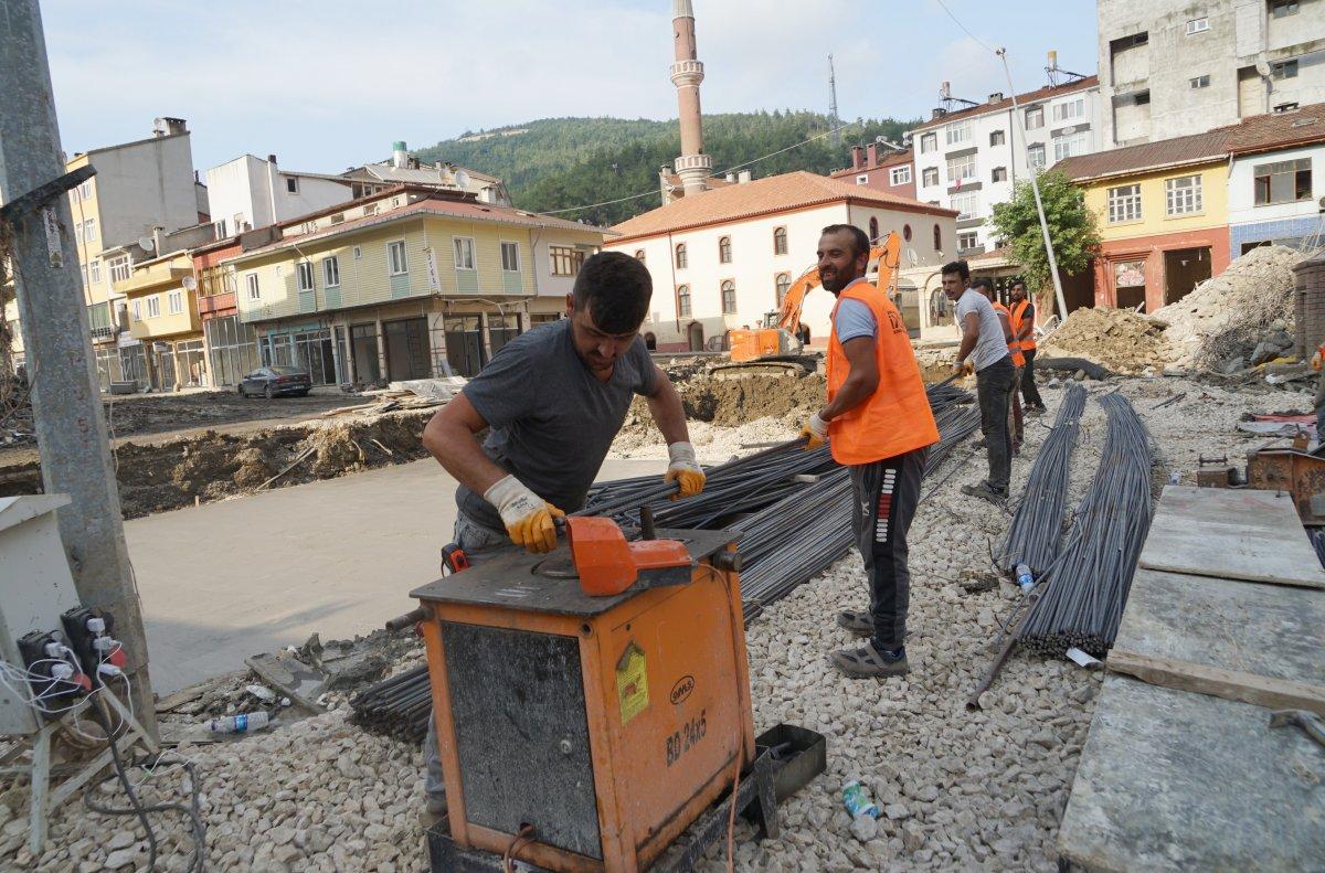 TOKİ, selde yıkılan 16 iş yerinin temelini attı #5
