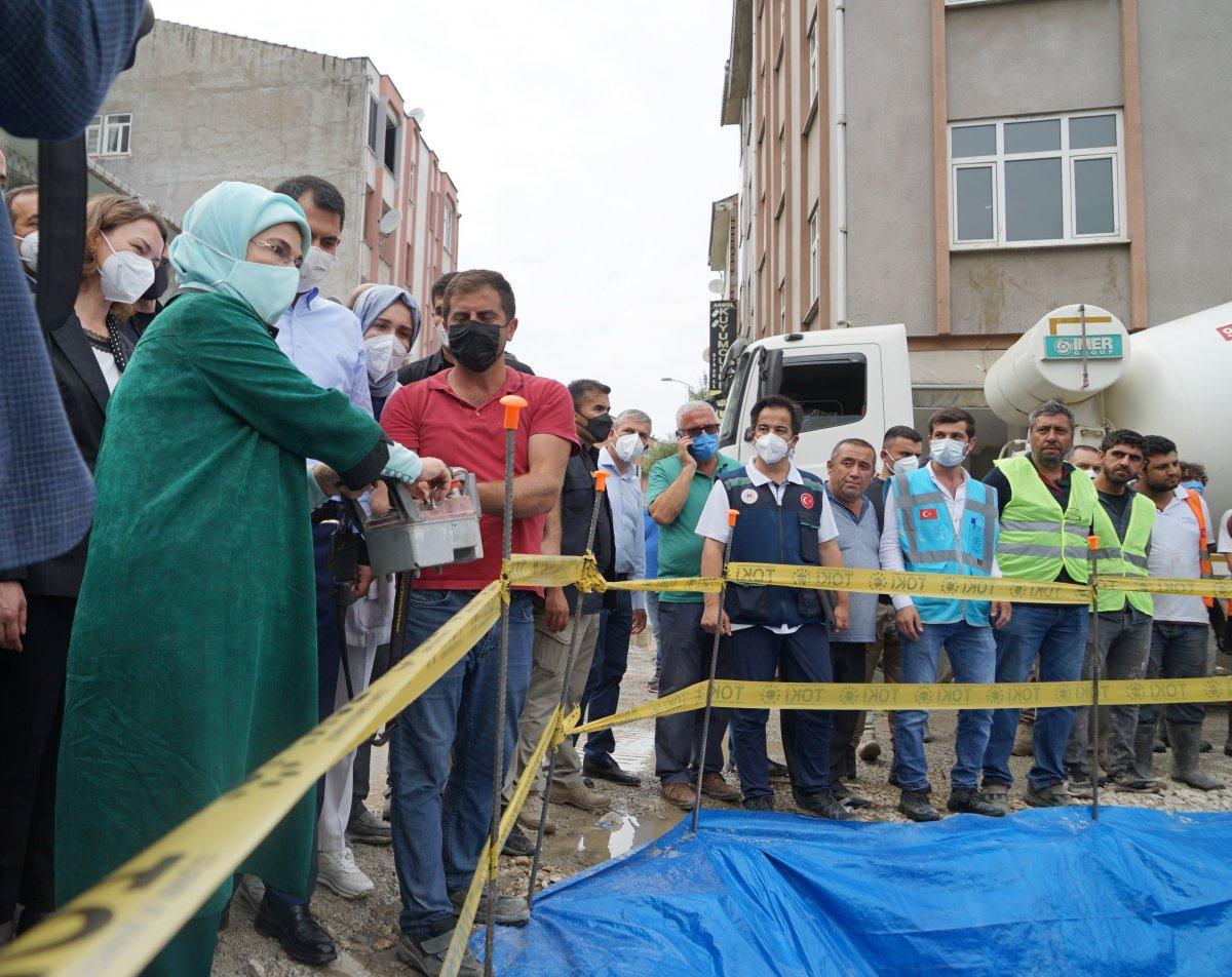 TOKİ, selde yıkılan 16 iş yerinin temelini attı #1
