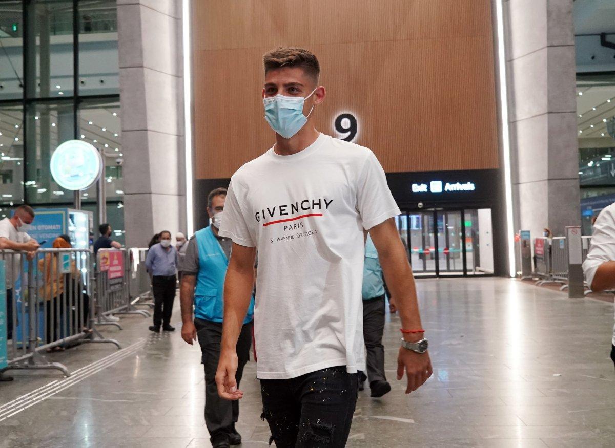 Beşiktaş ın yeni transferi Montero İstanbul da #1