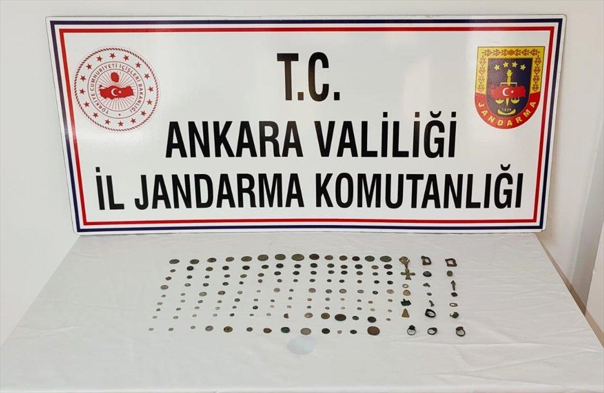 Ankara da kaçakçılık operasyonu: 125 sikke ele geçirildi #1