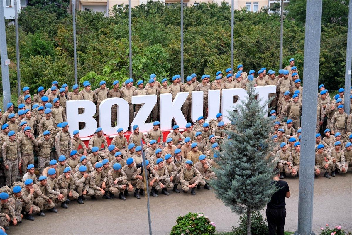 Bozkurt ta görev yapan komandolardan bölgeye marşlı veda #4
