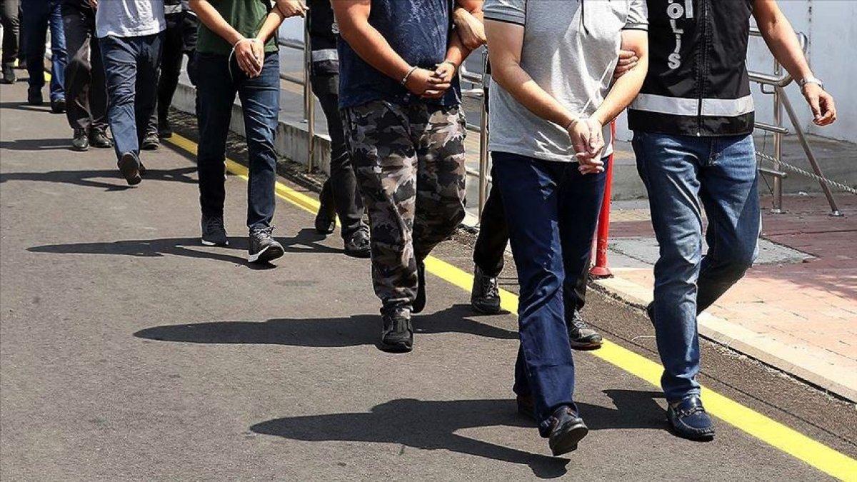 İstanbul merkezli 12 ilde FETÖ operasyonu: 32 gözaltı  #1