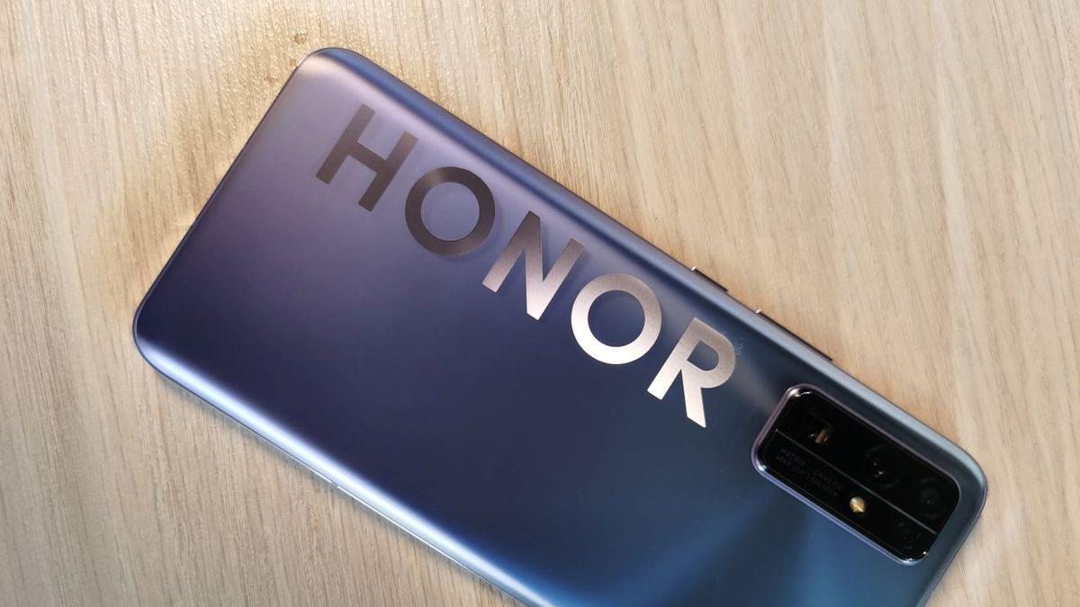 Huaweiden ayrılan Honor, Çinde 3. sıraya yükseldi